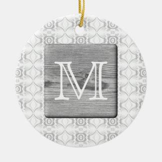 Sua letra. Imagem da madeira e do teste padrão Ornamento De Cerâmica Redondo