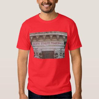 suis Paris de Je do liberte-egalite-fraternite Camiseta