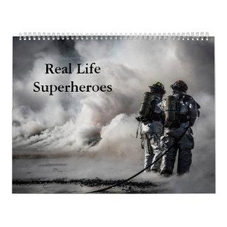 Super-herói Calandar da vida real Calendário