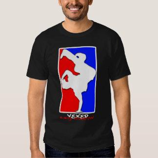 Suporte do menino de B T-shirt