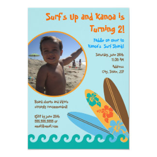 Surf acima do convite 5 x 7 da foto do aniversário