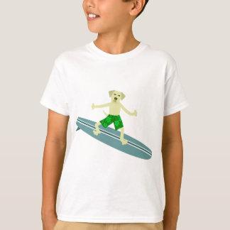 Surfista amarelo de labrador retriever camiseta