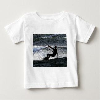 Surfista do papagaio camiseta para bebê
