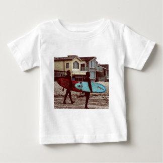Surfistas da velha escola camiseta para bebê