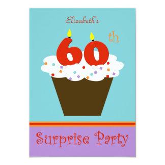 Surpreenda o 60th convite de aniversário convite 12.7 x 17.78cm