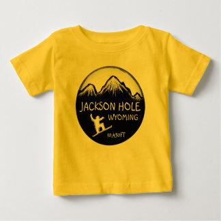T amarelo da arte do snowboard do bebê de Jackson Camiseta Para Bebê
