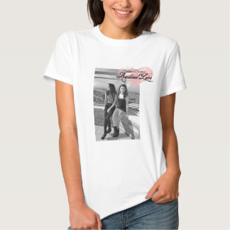 T cabido de Danielle e de Jennifer amor radical Tshirt