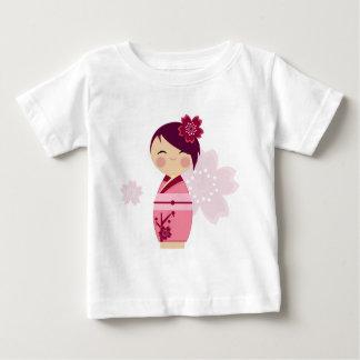 T do bebê de Kokeshi Sakura Tshirt