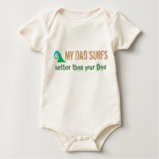 T do pai do surfista do bebê macacãozinho para bebê