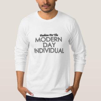 T longo individual da luva do dia moderno camiseta