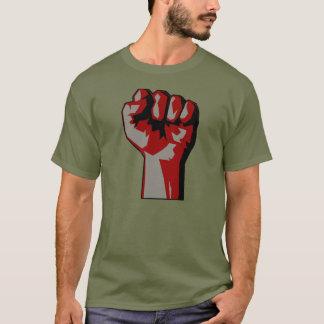 T-shirt aumentado revolucionário do protesto do camiseta