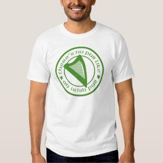 T-shirt básico branco da harpa irlandesa do bar
