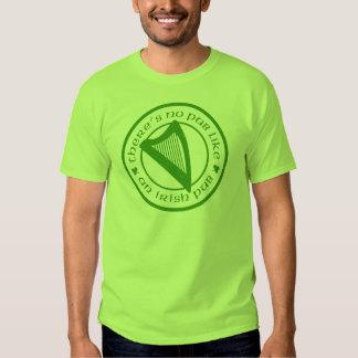 T-shirt básico do verde irlandês da harpa do bar