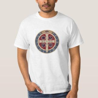 T-shirt branco com a medalha de St. Benedict Camiseta