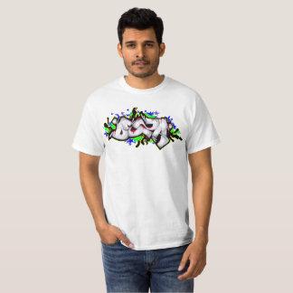 T-shirt com grafites camiseta