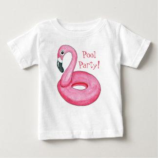 T-shirt cor-de-rosa do bebê da festa na piscina do camiseta para bebê