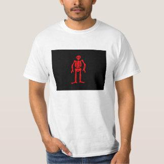 T-shirt da bandeira de pirata de Edward baixo