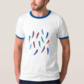 T-shirt da campainha dos homens com penas camiseta