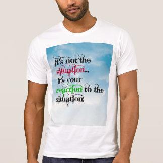 T-shirt da reação da situação camiseta