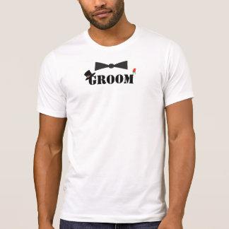 T-shirt da rosa vermelha de Bowtie do noivo Camiseta