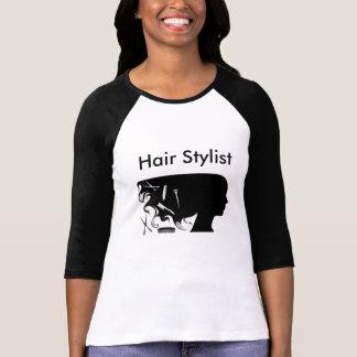 T-shirt das senhoras do cabeleireiro com capas
