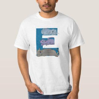 T-shirt do alfabeto E do gato