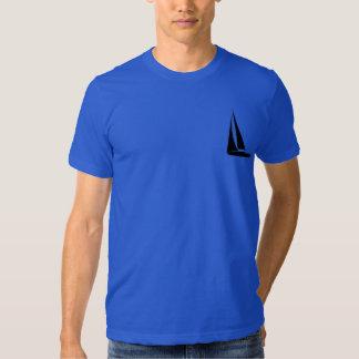T-shirt do azul dos homens do veleiro