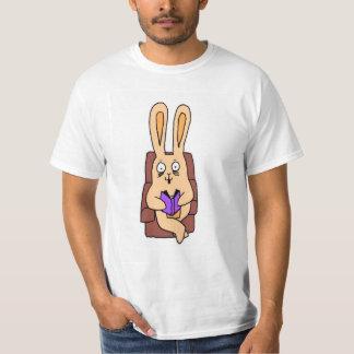 T-shirt do coelho da leitura
