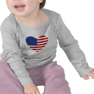 T-shirt do coração da bandeira dos EUA