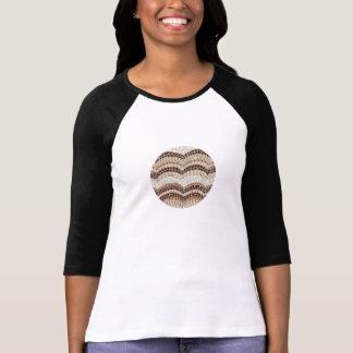 T-shirt do raglan das mulheres com mosaico bege