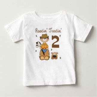 T-shirt do vaqueiro da criança de 2 anos de Rootin Camiseta Para Bebê