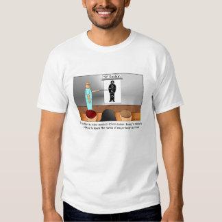 T-shirt dos desenhos animados da C-Seção