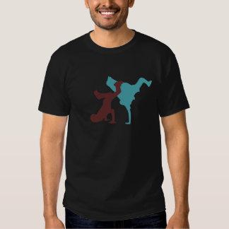 T-shirt dos homens negros do B-Menino