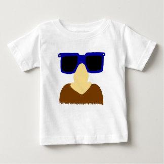 T-shirt em incógnito do bigode & da criança dos