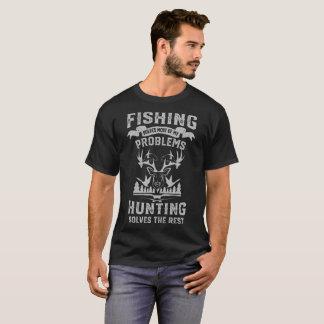 T-shirt engraçado da pesca e da caça - camisas da