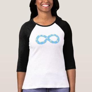 T-shirt floral dos azul-céu bonito do símbolo da i