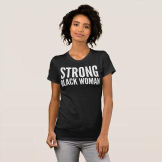 T-shirt forte da tipografia da mulher negra camiseta