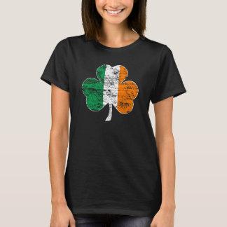 T-shirt irlandês afligido vintage do trevo da camiseta