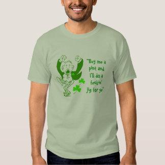 T-shirt irlandês do gabarito