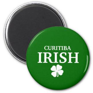 T-shirt irlandês feito sob encomenda orgulhoso da  ímã redondo 5.08cm