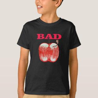 T-shirt mau dos meninos de Apple Camiseta