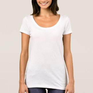 T-shirt nivelado seguinte do pescoço da colher das camiseta