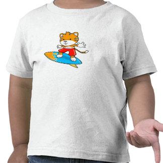 T-shirt pequeno bonito do surfista de Cub de tigre