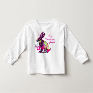 T-shirt por muito tempo Sleeved do coelho de