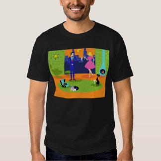 T-shirt romântico retro do casal da noite