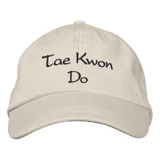 Tae Kwon faz - o boné de beisebol de pedra