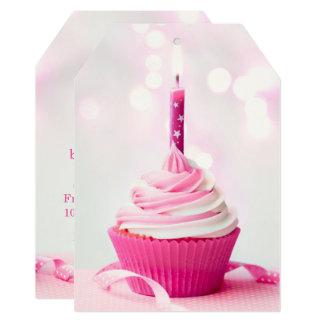 Tag cor-de-rosa do convite do cupcake