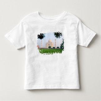Taj Mahal no nascer do sol um das maravilhas do Camiseta Infantil