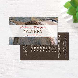 Tambores de vinho do vinhedo da adega que fazem o cartão de visitas