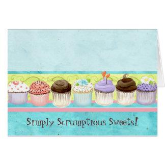 Tão muitos cupcakes!  Cartão de nota feito sob